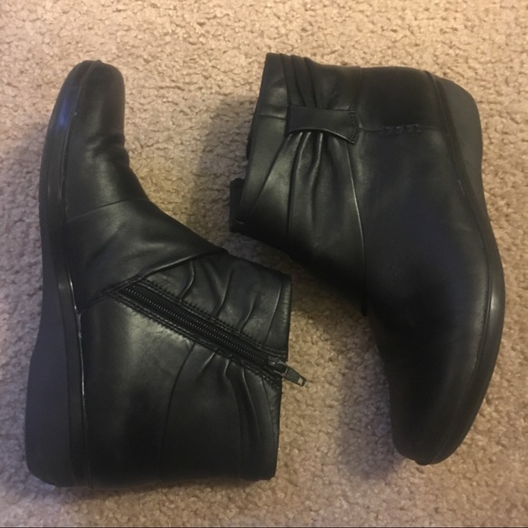 special section new authentic multiple colors CLARKS Everlay Mandy Leather Booties EUC